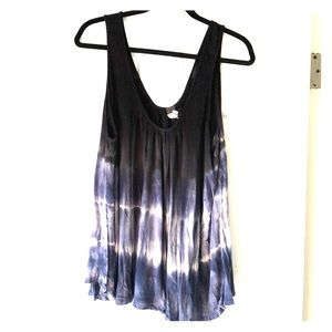 Oversize flowy tank by We the Free